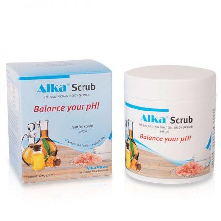 Богатата формула на Alka® Scrub съдържаща шафраново масло, бадемово масло, масло от жожоба, арганово масло, слънчогледово масло и витамин Е успокоява, подхранва и предпазва кожата. Освен това я хидратира и омекотява.