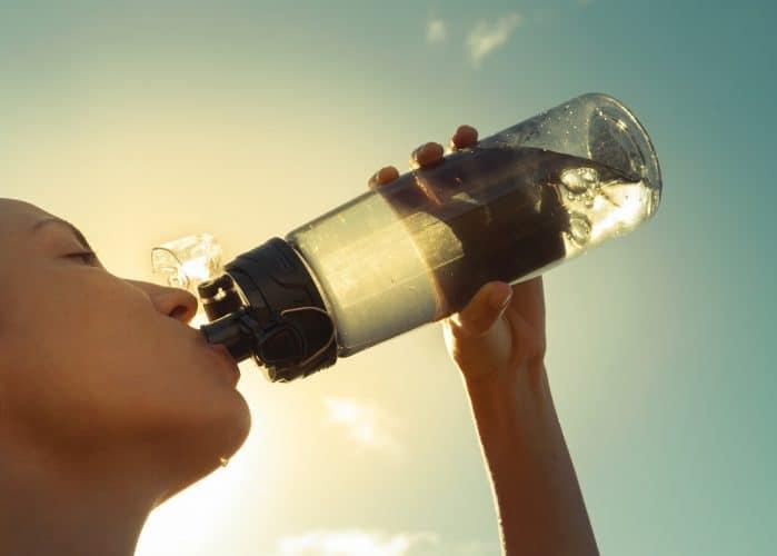 Алкалната вода е съпътстващо средство за профилактика на раковите заболявания и не трябва да се използва като тяхно основно лечение.